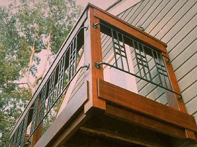 Как сделать перила на балконе